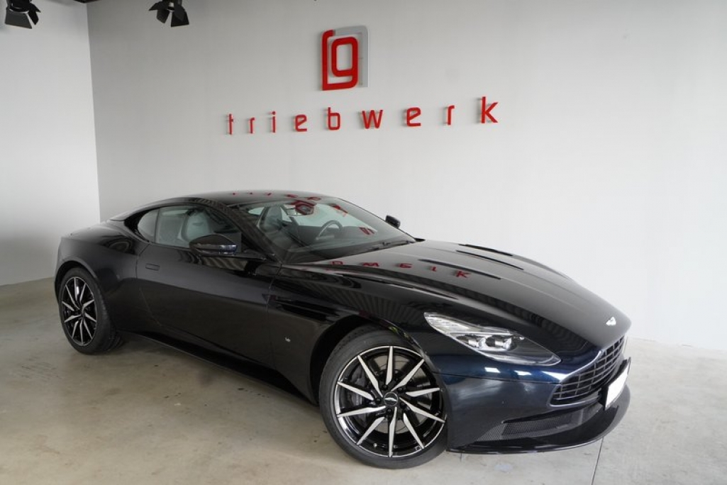 Aston Martin DB11 5.2 V12 Launch Edition